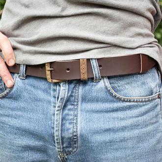 Ремень на долгие годы. Кожаный коричневый ремень под джинсы с латунной пряжкой 3,5 см