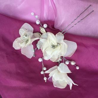 Свадебная шпилька с цветами айвори