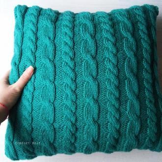 Диванная подушка (наволочка) декоративная вязаная цвета морской волны с романтическим узором косы