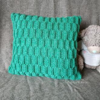 Диванная подушка (наволочка) декоративная вязаная ментоловая с геометрическим узором на пуговицах