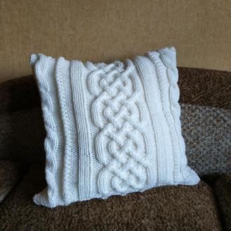 Диванная подушка (наволочка) декоративная вязаная ванильная с геометрическим узором Араны на молнии