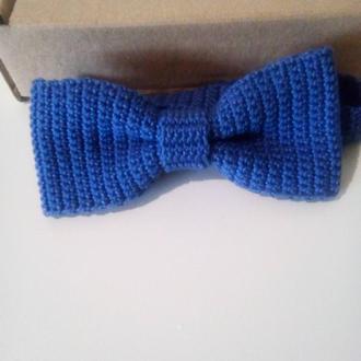 Вязаная бабочка галстук синяя