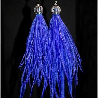 Синие серьги из перьев страуса