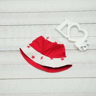 Красная панамка, окружность 54 см, двухсторонняя