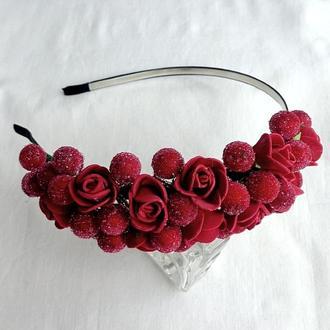 """Обруч для волос с цветами  """"Красные розочки"""""""