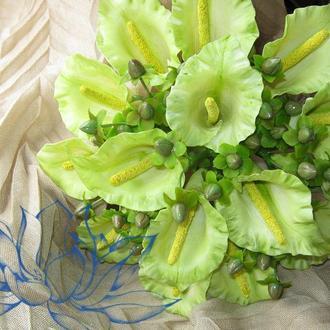 Свадебный букет  с цветами каллы и гиперикумом + ПОДАРОК - бутоньерка для жениха