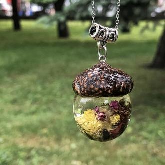 Кулон желудь, подвеска с сухоцветами ручной работы, подарок для девушек, из эпоксидной смолы