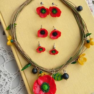 Комплект ожерелье и серьги с маками.