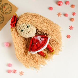 Вязаная маленькая куколка. Подарок девочке.Интерьерная игрушка.Сувенир.Куколка ручной работы.Декор.