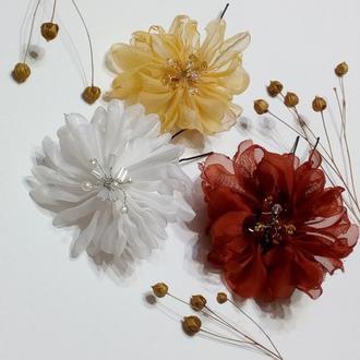 Шпильки с цветами.Свадебное украшение для волос.