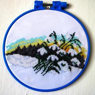 Пейзаж с подснежниками