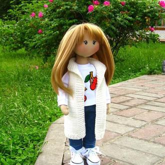 Портретная куколка блондинка