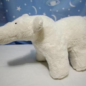 Белый полярный мишка (медведь)