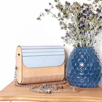 Стильная деревянная сумочка FIGLIMON в голубом оттенке
