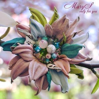 Именная брошь-цветок «MaryS Leather Accessories» от Cтудии аксессуаров Марии Суслиной