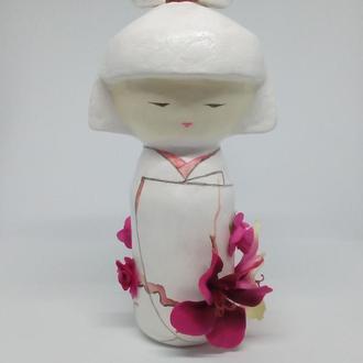 японская кукла талисман кокеши с цветами
