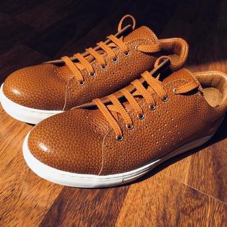 Кеды, кроссовки, туфли.