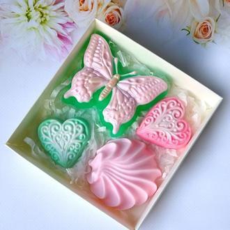 Сувенирное мыло: набор: бабочка, зефир, сердечки