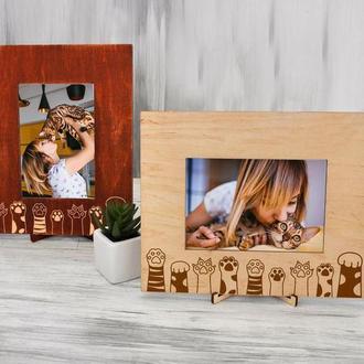 Рамка для фото из натурального дерева с гравировкой «Лапки»
