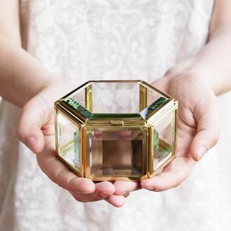 Латунная шестиугольная шкатулка диаметр 10см, высота 5,5см