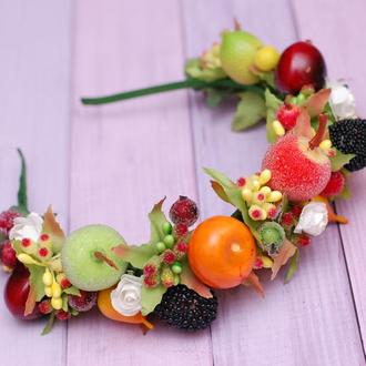 Яркий осенний обруч ободок с ягодами и фруктами на праздник осени