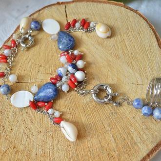 Слейв-браслет с лазуритом, перламутром, кораллом, ракушками ′Морской круиз′
