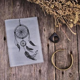 """Кожаная обложка на паспорт """"Ловец снов"""". Подарок жене/подруге/маме/сестре на любой праздник"""