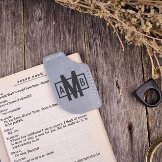 Именная книжная закладка-уголок из натуральной кожи
