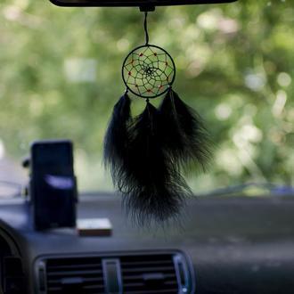 Маленький черный ловец снов. Ловец снов подвеска в авто. Подвеска в машину. Подарок парню. Ловець.