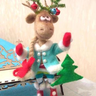 Интерьерная  игрушка из шерсти Новогодний олень
