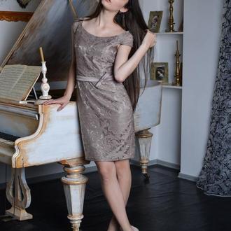 коктейльное платье из гипюра