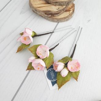 Шпильки для волос с цветами яблони в нежно розовом цвете