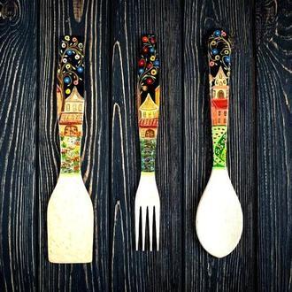 """Деревянный кухоный набор """"Городок"""", ложка, вилка, лопатка."""