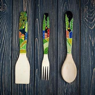 """Деревянный кухонный набор""""Домики"""" ложка, вилка, лопатка."""