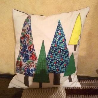"""Подушка """"Новогодние елочки"""" ручной работы"""