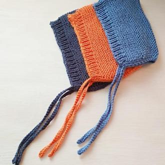 Вязаная детская шапочка - чепчик с завязками