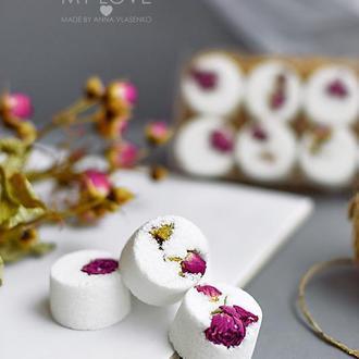 Набор бомбочек для ванны с сухоцветами Naturals Чайная роза