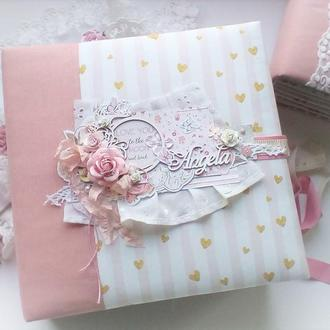 Фотоальбом для новонародженої дівчинки