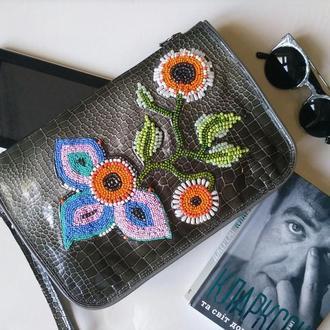 Мега оригинальный и стильный женский кожаный клатч с цветочным орнаментом. Готов к отправке.