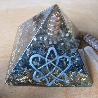 """Пирамида оргонит """"Узел Любви """". Гармонизация пространства. Подарок. Сувенир"""