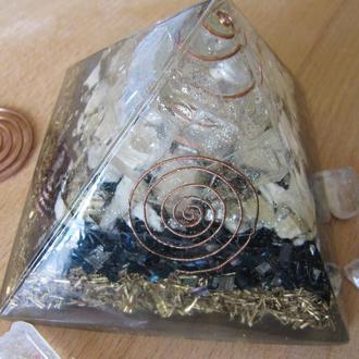 Пирамида оргонит оберег.  Гармонизация пространства. Сувенир. Подарок