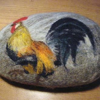 Петушок, нарисованный шерстью
