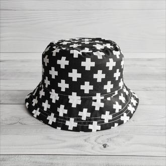 Панамка «Белые плюсики на черном» 50 р.
