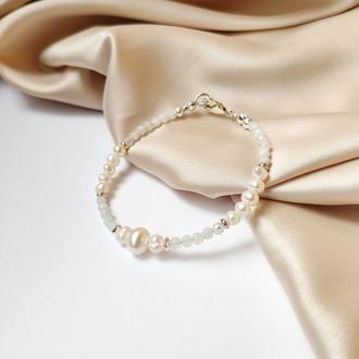 Браслет срібний білий з перлами та місячним каменем