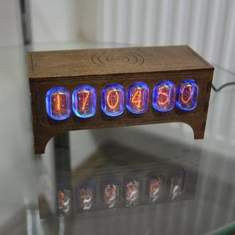Часы ламповые на ИН 12 NIXIE CLOCK  в стиле ретро винтаж