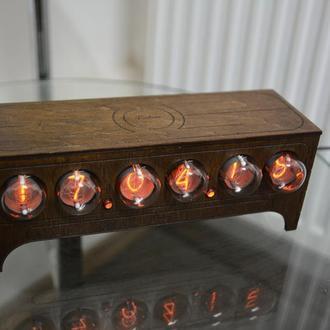 Часы ламповые  на ИН 1 NIXIE CLOCK в стиле ретро винтаж