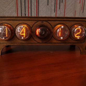 Часы ламповые  на ИН 4 + Декатрон ОГ3 NIXIE CLOCK