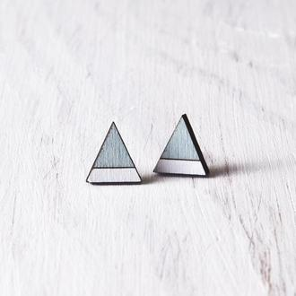 Голубые деревянные сережки треугольники, серьги гвоздики