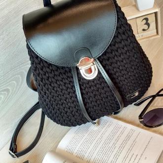 Рюкзак с кожаной фурнитурой