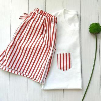 Женская пижама в красную полоску